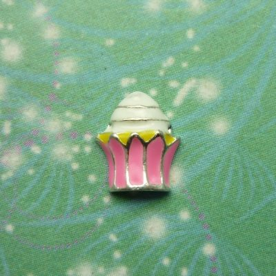 cup-cake-pink-wrapper