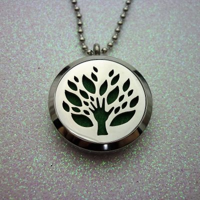 earth-mother-aromatherapy-locket-2