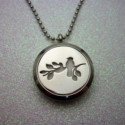 little-birdy-aromatherapy-locket-1