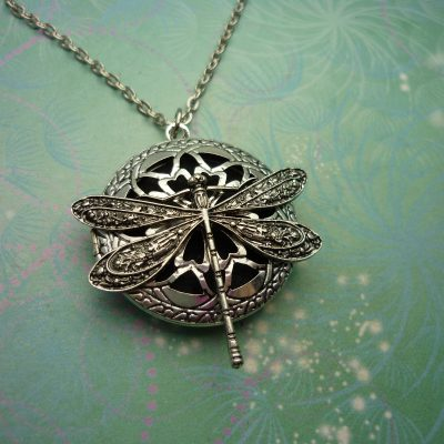 Dragonfly Aromatherapy Necklace