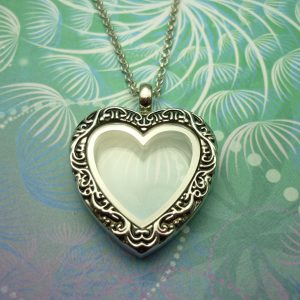 vintage-heart-locket-necklace